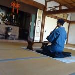 Offering honkyoku at Hakata Iccho-ken Temple, Fukuoka