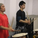 Playing taiko with Makoto-san, grandson of Daihachi Oguchi